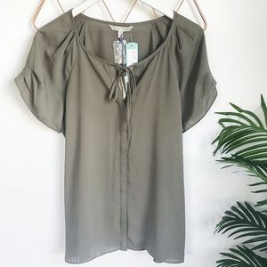 Stitch Fix NWT, 41 Hawthorn Olive Pleated Blouse M